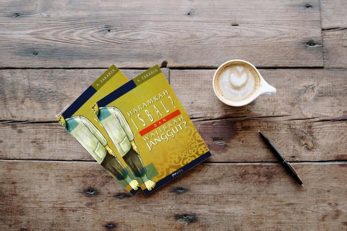 harga Buku haramkah isbal wajibkah janggut - buku karya aceng zakaria Tokopedia.com