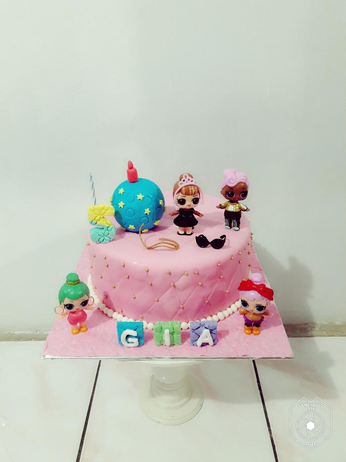 Jual Kue Ulang Tahun Lol Surprise Fondant Cake Jakarta Timur Novlauwcake Tokopedia