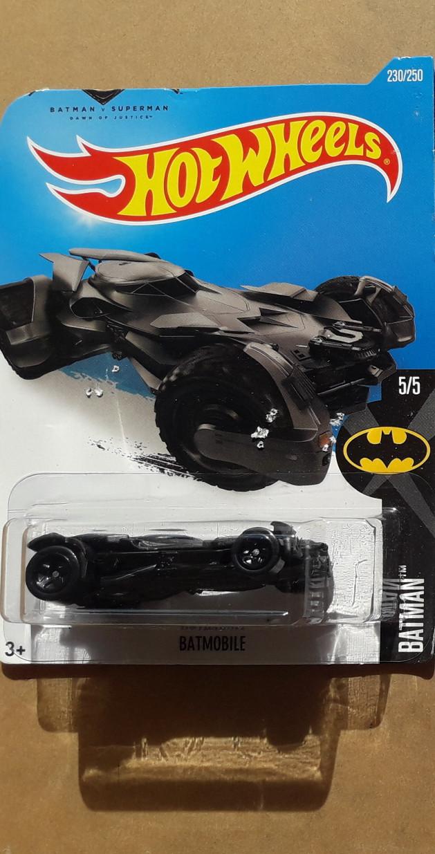 harga Hotwheels batman v superman batmobile 2016 hitam - bad card Tokopedia.com