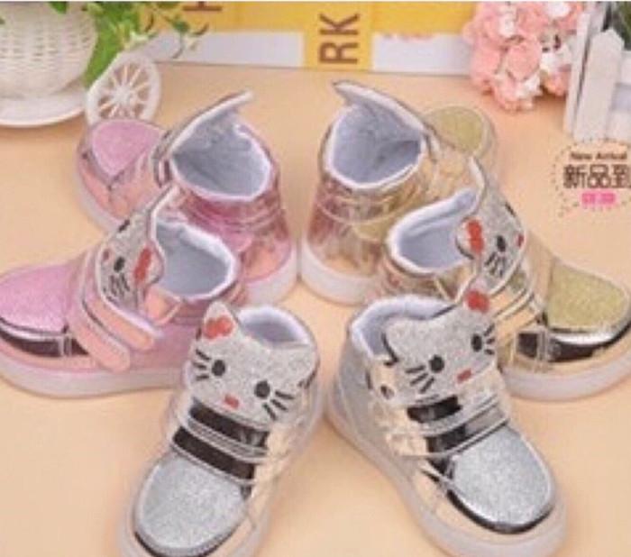 harga Sepatu boots anak led hellokitty / hello kitty face - 22 emas Tokopedia.com