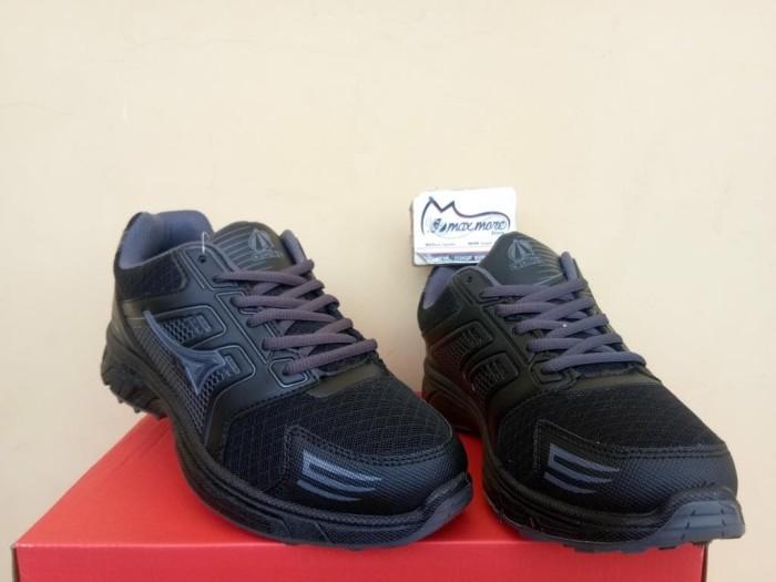 harga Sepatu sneakers pria - ardiles howe hitam - sepatu kets murah Tokopedia.com