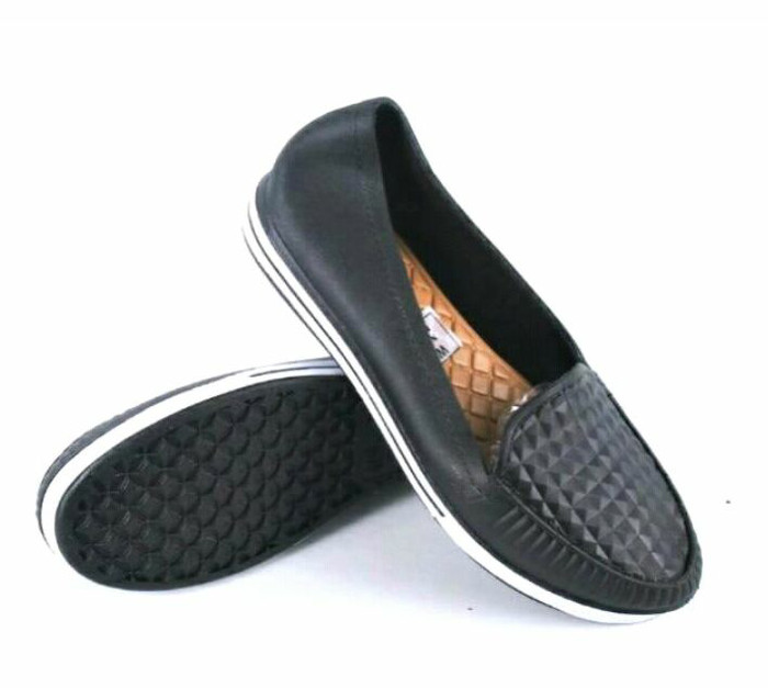 Sepatu karet pantofel