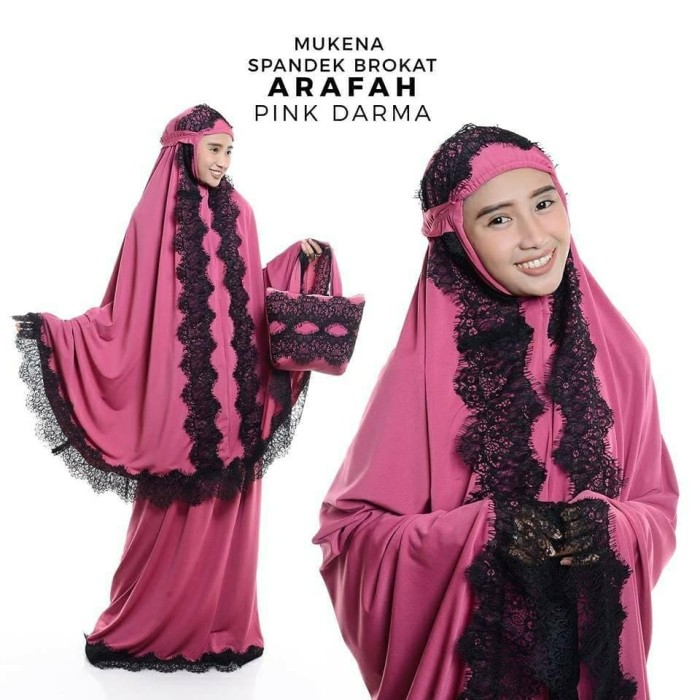 Mukena Dewasa Spandek Brukat Arafah. Category : Fashion Muslim Perlengkapan .