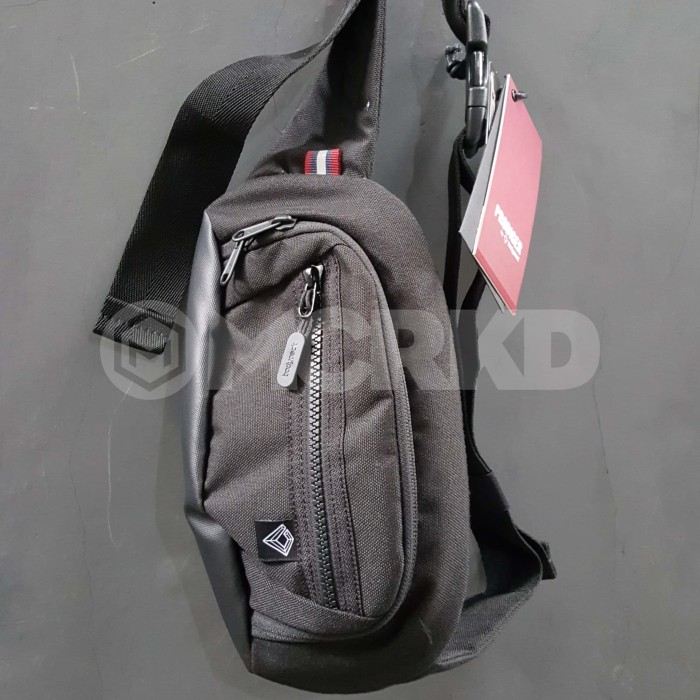 harga Tas bodypack 920001182001 atlantic waistbag (black) Tokopedia.com