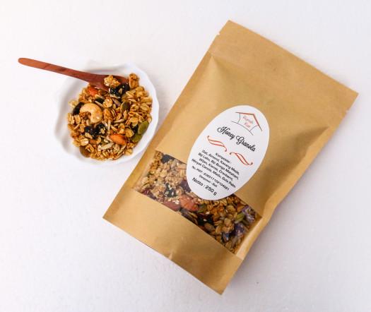 Honey granola makanan diet sehat kaya serat
