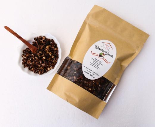 Granola coklat makanan diet kaya serat dan enak