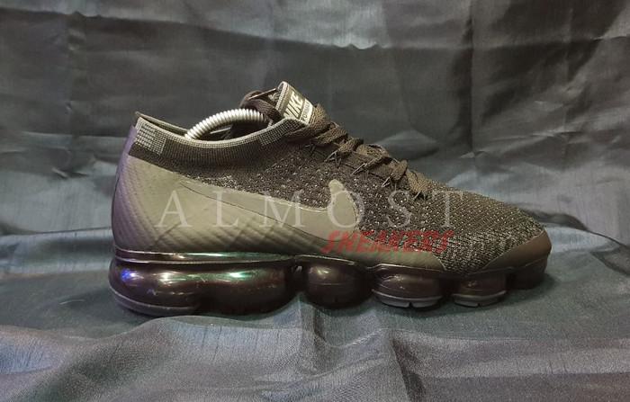 c7bda3f412e Jual Nike Air Vapormax Flyknit - Hitam
