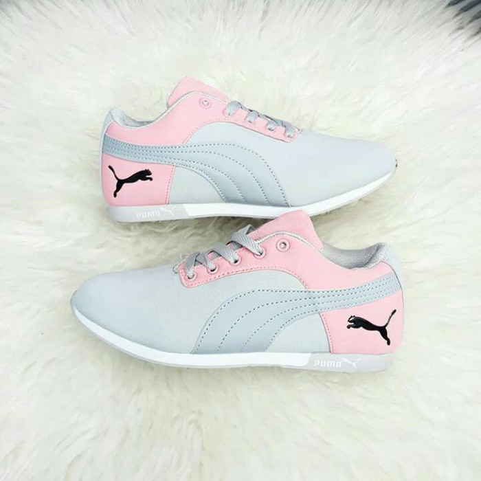 1698ef316fe8 ... harga Sepatu wanita sneaker puma abu salem murah olah raga senam  Tokopedia.com