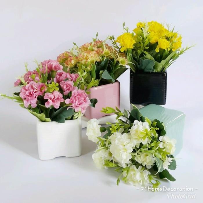 Jual Vas Bunga Kotak Warna Bunga Artificial Cantik Hiasan Pajangan ... fb8825607e