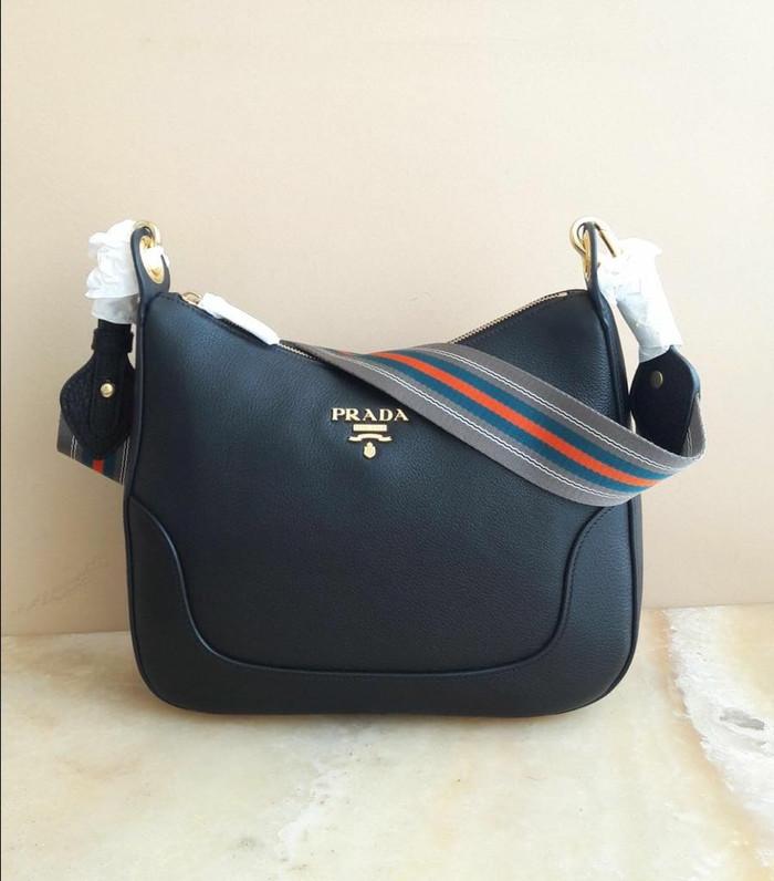 Jual Prada Sling Bag Sacca Vit Daino Black. Tas Prada Original ... 5fb8e78afd