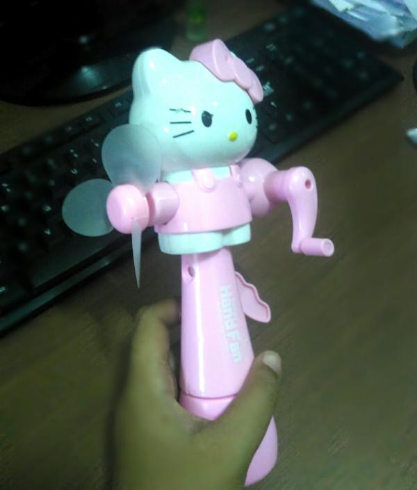 harga Kipas tangan putar / kipas angin manual karakter hello kitty spray air Tokopedia.com