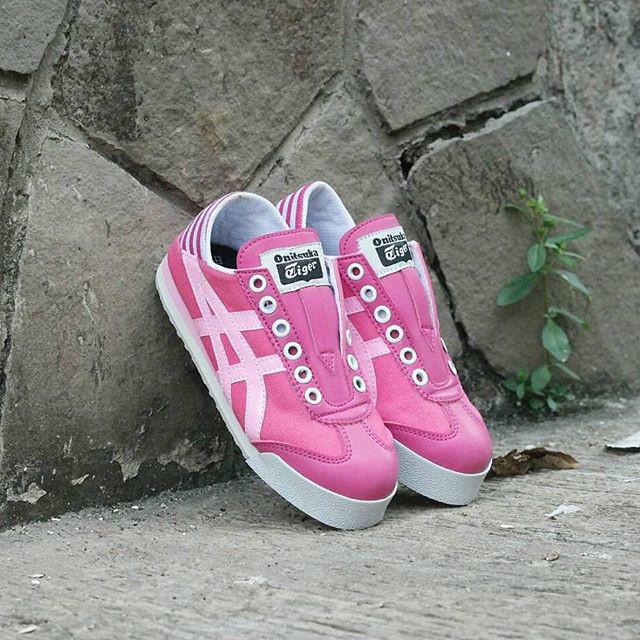 Jual Asics onitsuka slip on kids   sepatu anak   kado anak   sepatu ... 50cf613974