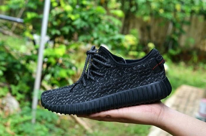 harga Sepatu running pria casual adidas yeezy boost 350 men Tokopedia.com