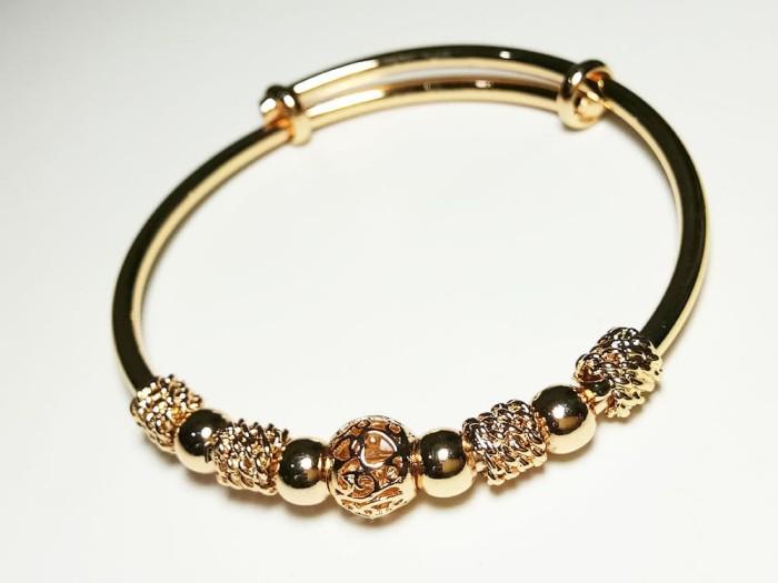 Foto Produk VeE Gelang Titanium Stainless Steel Gold 9 Bandul - Gelang Tangan dari Vee Jewelry