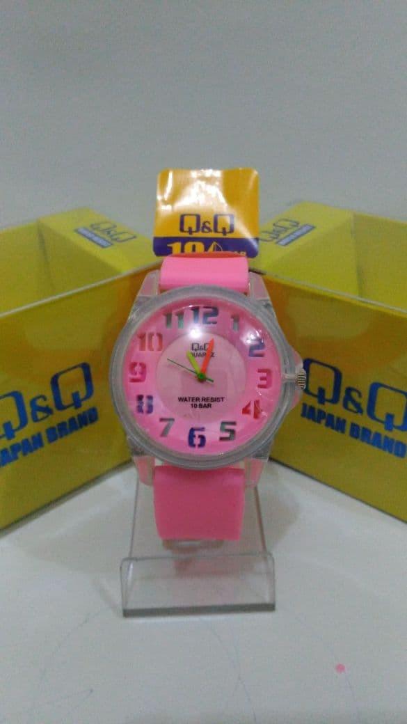 Q&Q Jam tangan Anak - Anak Rubber strap Design Menarik QQ 1109 ( New )