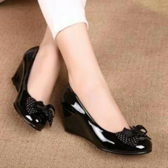 ... harga Flat shoes wanita / wedges glossy pita polkadot / flat shoes hitam Tokopedia.com