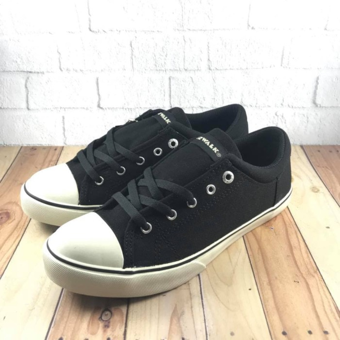Jual Sepatu Sneakers Casual Pria Airwalk Original Davio Black - HECC ... ec68b52f38