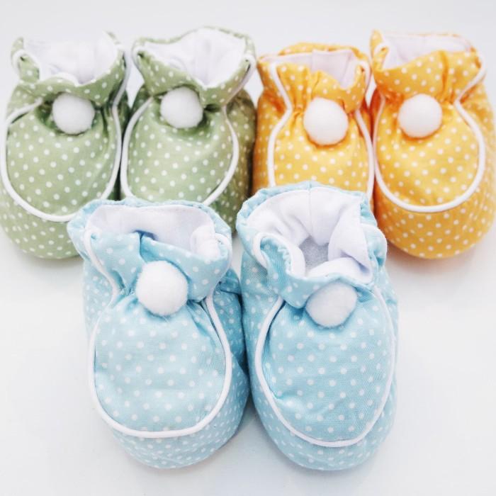 harga Sepatu pon-pon bayi babyu (polkadot warna) Tokopedia.com