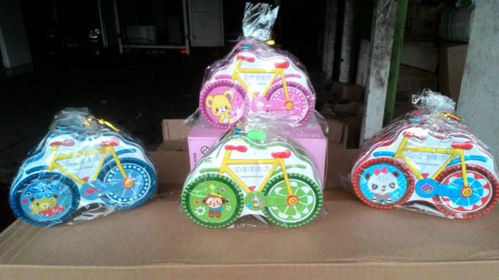 harga Celengan gembok sepeda / celengan kaleng bentuk sepeda Tokopedia.com