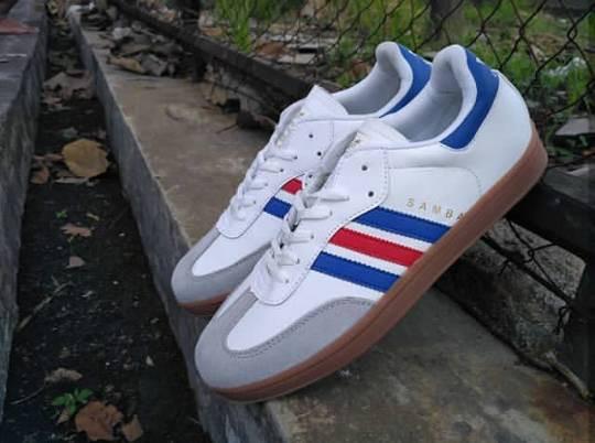 ... harga Sepatu adidas samba classic list merah biru hitam putih gum murah  Tokopedia.com b1022abe86