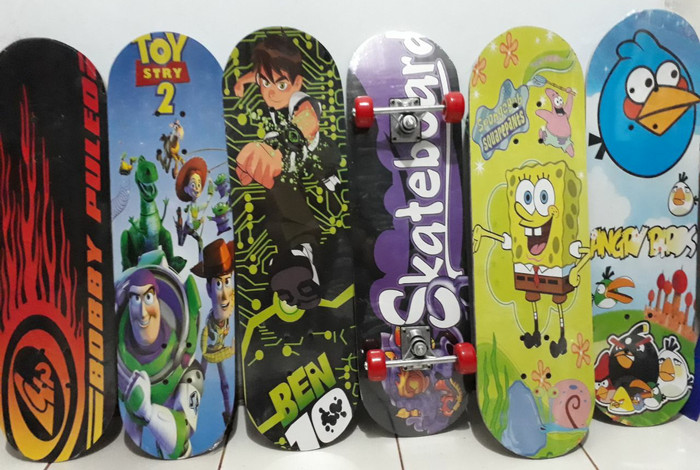 harga Skateboard - papan skate uk 22 x 79 cm Tokopedia.com