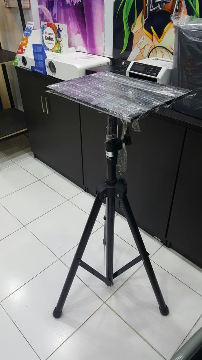 Jual Beli Infocus Projector In220 3500ansi Lumens Svga Hitam Harga Cus Standing Tripod Meja Tatakan