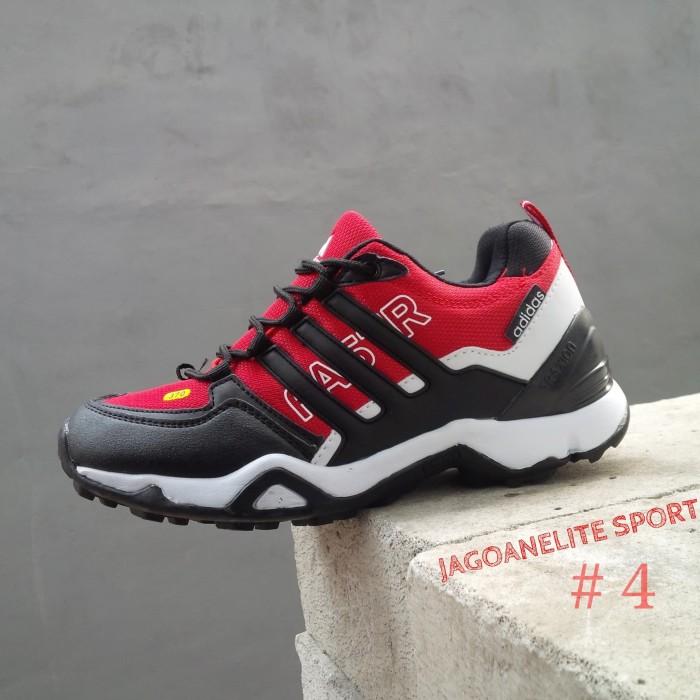 harga Sepatu hiking pria adidas terrex fastr gtx 385 mountain grip. Tokopedia.com