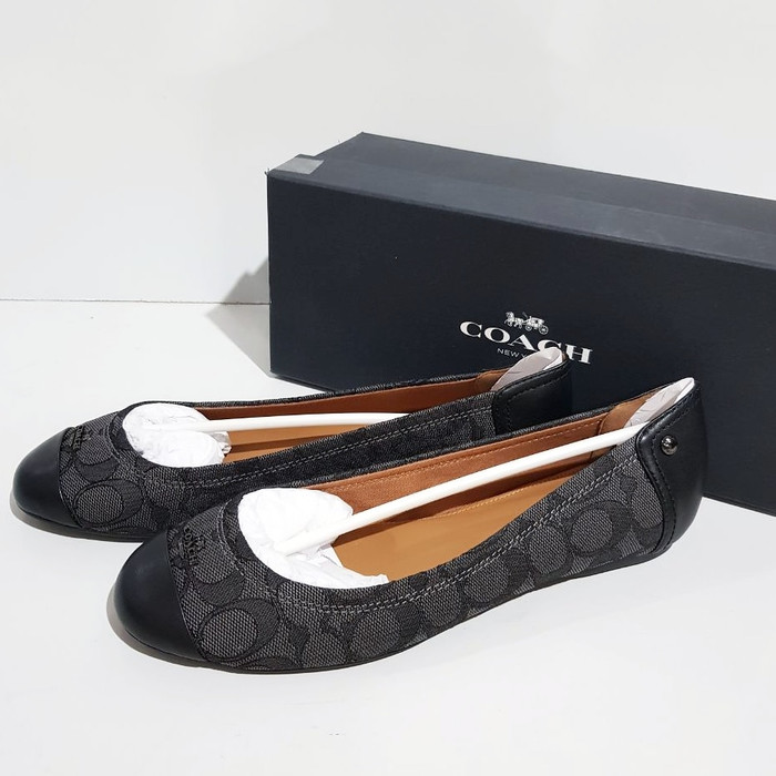 Coach chelsea flat shoes sz 7.5