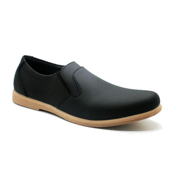 harga Mascotte 813 003   sepatu kasual pria - hitam - hitam 42 Tokopedia.com