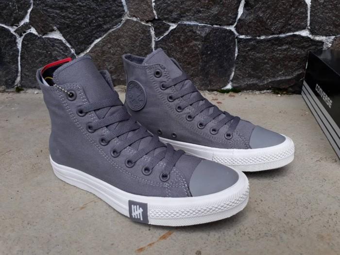 harga Sepatu converse all star hi undefeated grey premium original bnib  Tokopedia.com 10d8054438