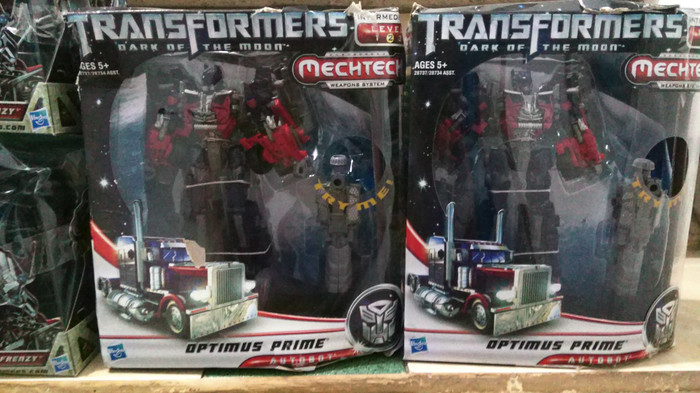 harga Tranaformers voyager optimus prime dark of the moon Tokopedia.com