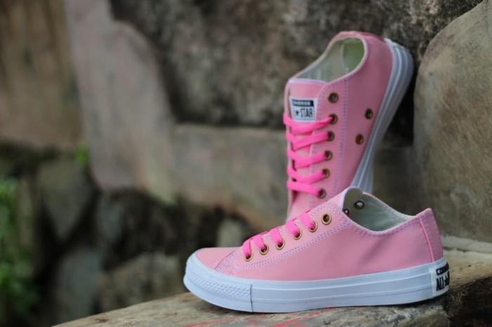 Jual grosir sepatu converse chuck taylor allstar Pink Grade Ori ... e7326c3b87