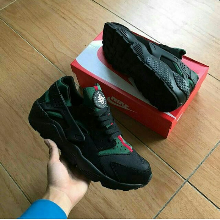 2dfcb6795 Nike Air Huarache x Gucci premium ...