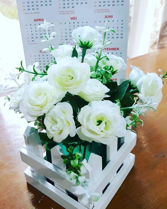 harga Bunga pot pagar artificial/ bunga shabby pot pagar/ bunga hias Tokopedia.com