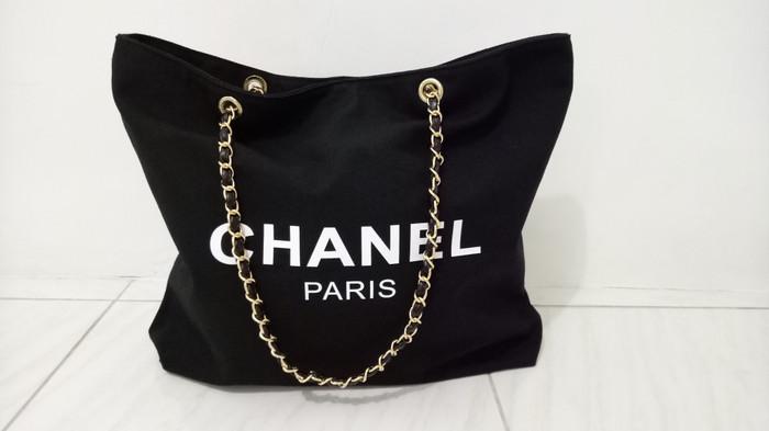 9c7519df2461 Jual New Authentic Chanel VIP Gift Tote Bag Canvas (REPRICE) - Kota ...