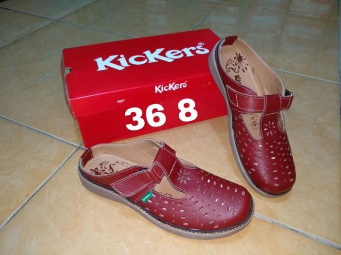 Jual sepatu sandal cewek flat shoes branded murah merk kickers ... 775d9e279d