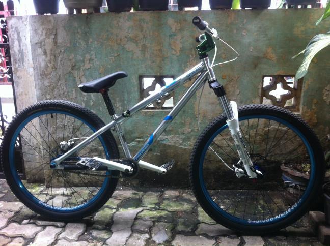 Jual Sepeda Polygon Cozmic Dxp Crmo Dirt Jump Single Speed Full Modif Jakarta Selatan Inherit Records Tokopedia