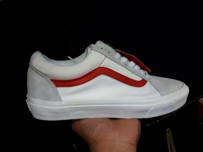 Jual Sepatu Vans Old Skool Style 36 Marshmallow Racing Red - DKI ... 12d29cc84