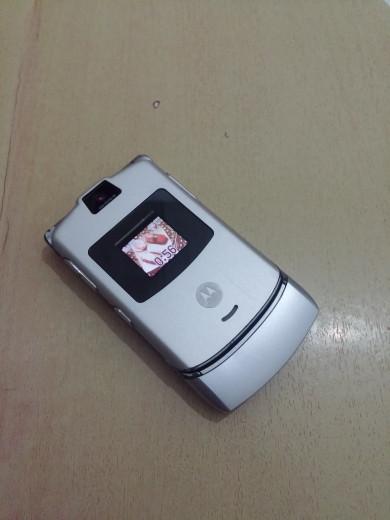 Foto Produk HP Motorola Razr V3 Flip Jadul dari bandungacc02