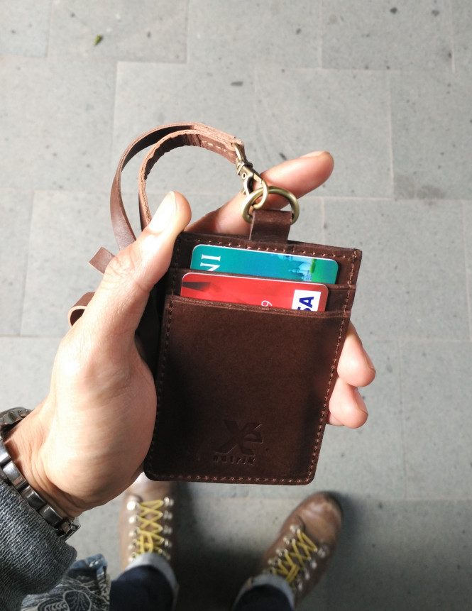 harga Hang tag id name card holder genuine leather kulit asli 3 slot Tokopedia.com