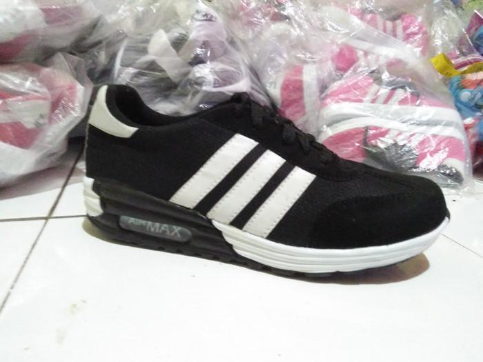 Sepatu sneakers pria wanita airmax hitam list putih