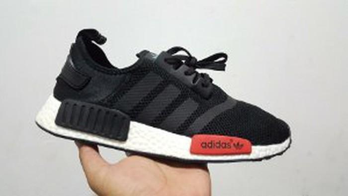 2a8892347 Jual Adidas Nmd R1 Black Friday Diskon - hilalshop1