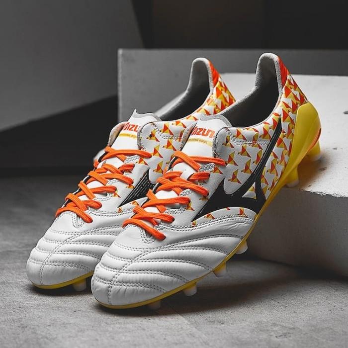 Jual Sepatu Bola Mizuno original Morelia Neo II MD Pearl P1GA185345 ... 374ef55b17