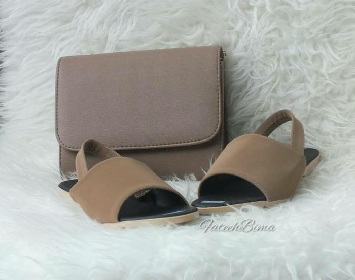 Buy 1 Get 1 Paket Sandal M.02 + Fb4 - Beige - Blanja.com