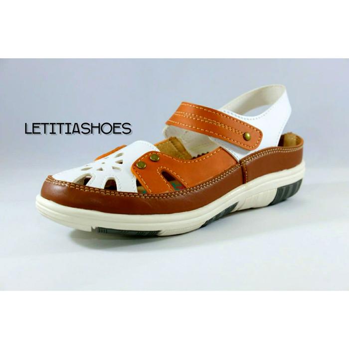 harga Sandal anak wanita flat shoes casual slip on spotty original mira 42 Tokopedia.com