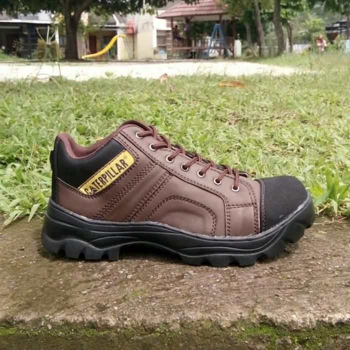 Daftar Harga Sepatu Boots Safety Semi Terbaru 2018 Cek Murahnya ... be20ae4d9a