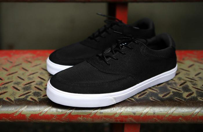 harga Sneakers - dixon black Tokopedia.com