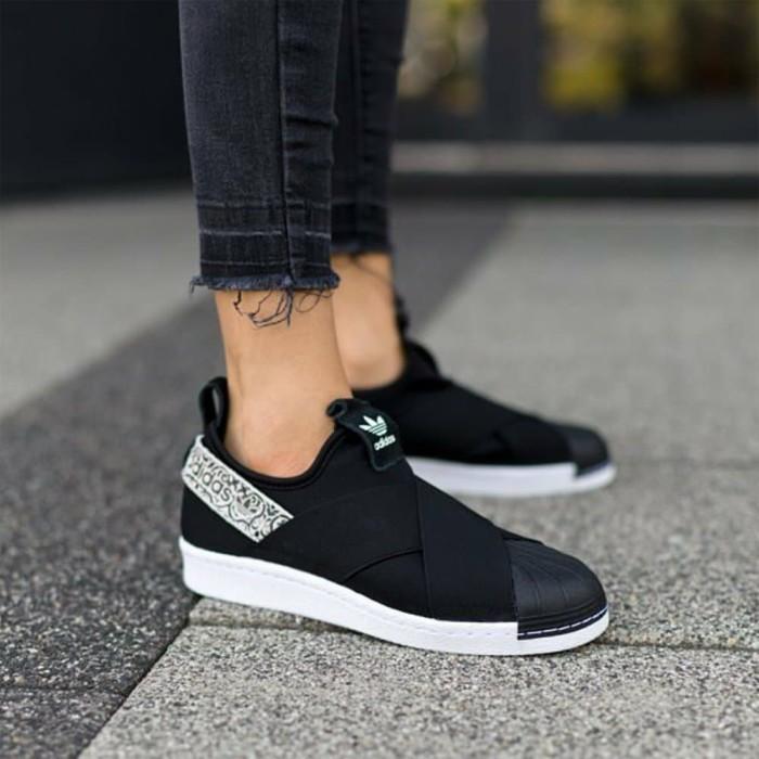 sports shoes 1f4bc ebeca Jual Adidas Superstar Slip On W Black White Berkualitas - DKI Jakarta -  serdadu_shop12 | Tokopedia