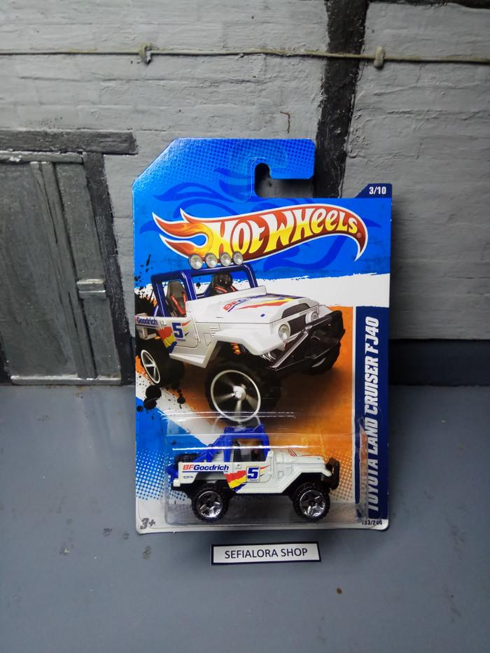 harga Hotwheels toyota land cruiser fj40 putih Tokopedia.com