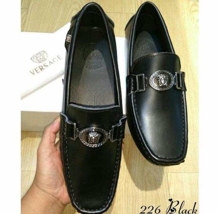 Daftar Harga Sepatu Versace Sepatu Loafers Terbaru 2019 Cek Murahnya ... a525426699